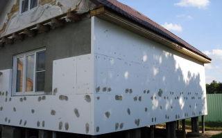 Чем утеплить стены дома снаружи — пенопластом или пеноплексом