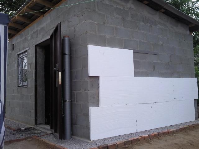 Чем утеплить стены дома снаружи - пенопластом или пеноплексом 3