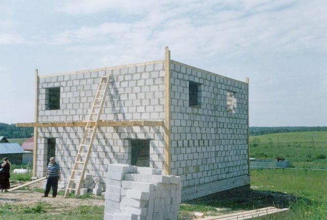 Сколько кубов пеноблоков нужно для строительства дома 10 на 10 метров 1