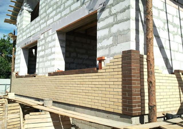 Сколько кубов пеноблоков нужно для строительства дома 10 на 10 метров 3