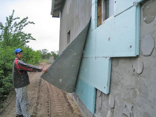 Чем утеплить стены дома снаружи - пенопластом или пеноплексом 4